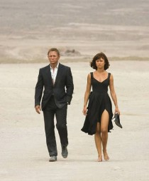 Daniel Craig and Olga Kurylenko in Quantum of Solace