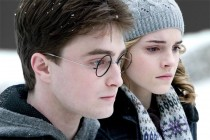 Daniel Radcliffe and Emma Watson in Harry Potter and the Half Blood Prince