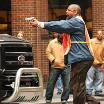 Denzel Washington in Taking of Pelham 123