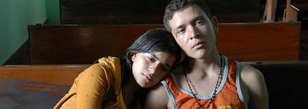 Paulina Gaitan and Edgar Flores in Sin Nombre
