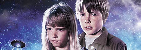 Kim Richards and Ike Eisenmann in Escape to Witch Mountain