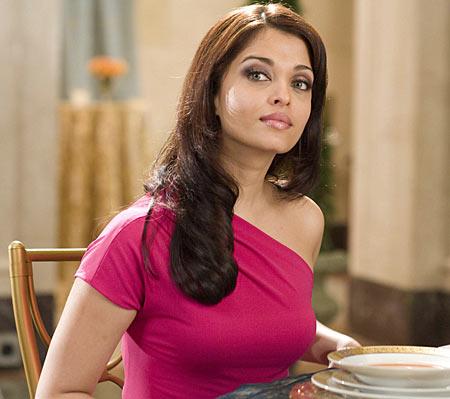 Aishwarya Rai in The Pink Panther 2