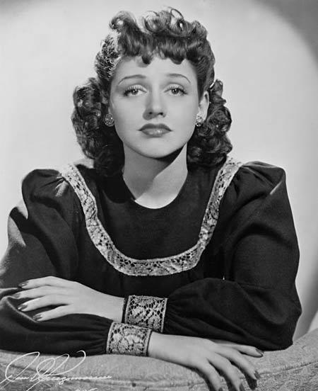 Anita O'Day circa 1941