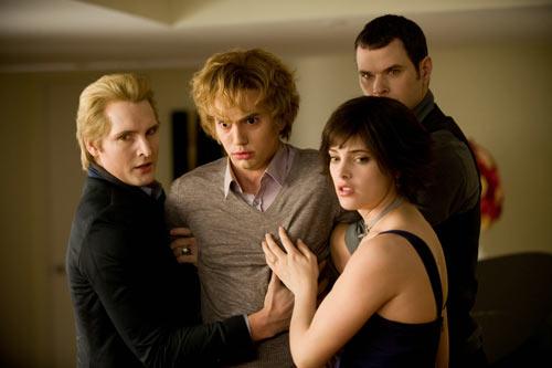 Peter Facinelli - Jackson Rathbone - Ashley Greene and Kellan Lutz in The Twilight Saga: New Moon