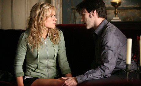 Anna Paquin as Sookie Stackhouse and Stephen Moyer as Bill Compton in True Blood