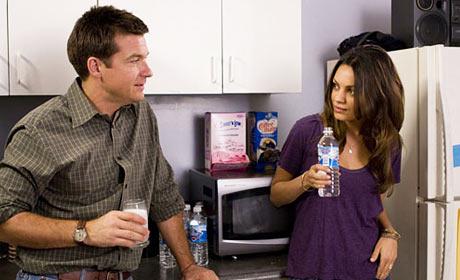 Jason Bateman and Mila Kunis in Extract