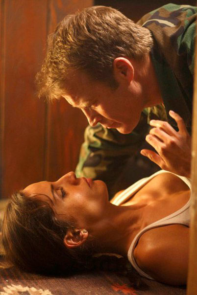 Leonor Varela and Mark Valley in Human Target