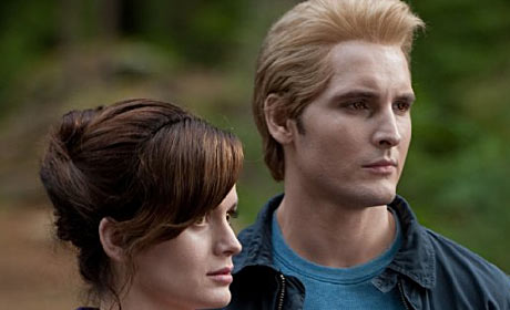 Elizabeth Reaser and Peter Facinelli in Twilight Saga: Eclipse