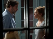 Jeffrey Dean Morgan and Hilary Swank in The Resident
