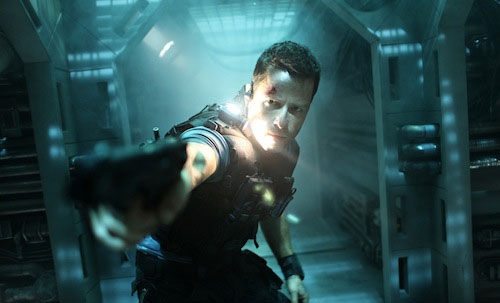 Guy Pearce in Lockout