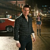 First shot of Tom Cruise as Jack Reacher surfaces