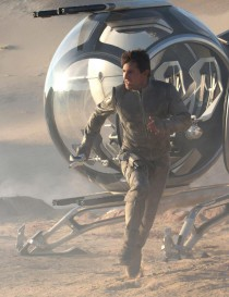 tom-cruise-oblivion-movie-images-screening-imax-times