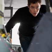 jack-ryan-shadow-recruit-film-images-130818-25