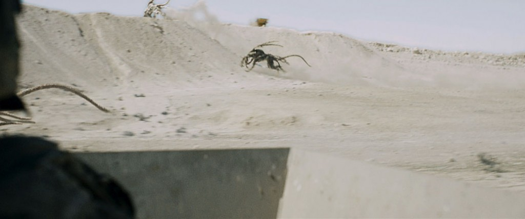 03272015-0001-monsters-dark-continent-film-images-15