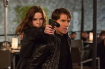 Rebecca Ferguson and Tom Cruise co-star in 'Mission: Impossible — Rogue Nation