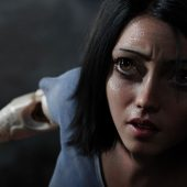 Have you seen this first teaser trailer for Robert Rodriguez and James Cameron's Alita: Battle Angel?