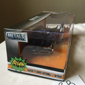 Classic Television Series Batmobile with Batman and Robin 1:24 Scale Metals Die-Cast Vehicle