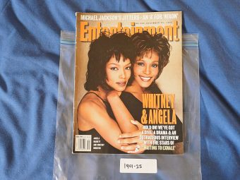 Entertainment Weekly Magazine No. 306 (December 22, 1995) Angela Bassett, Whitney Houston 190125