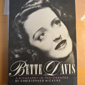 Bette Davis: A Biography in Photographs (1st edition, 1985) [193171]