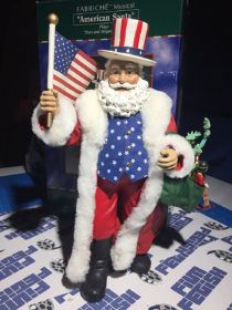 World of Santas 12 inch Fabriche Musical American Santa Kurt S. Adler