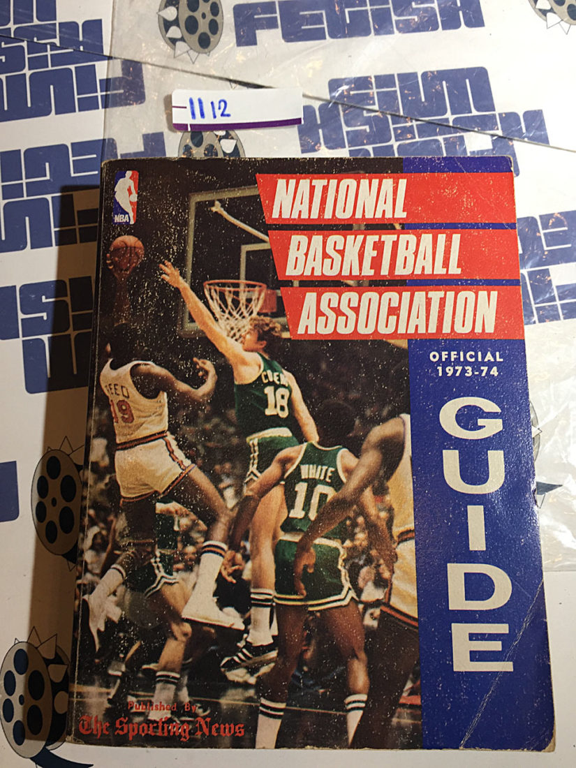 National Basketball Association Official 1973-74 Guide Willis Reed Cover [1112]