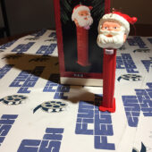 Hallmark Keepsake Ornament – PEZ Santa Dispenser (1995)