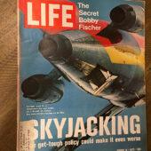 Life Magazine (August 11, 1972) Bobby Fischer, Skyjacking [B01]