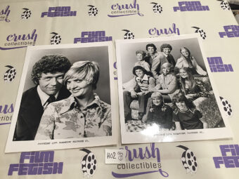 Set of 2 The Brady Bunch Original Press Photos [H02]