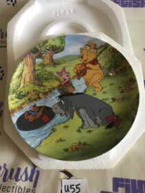 Walt Disney's Winnie the Pooh Going Fishing Limited Edition Collector Plate [U55]