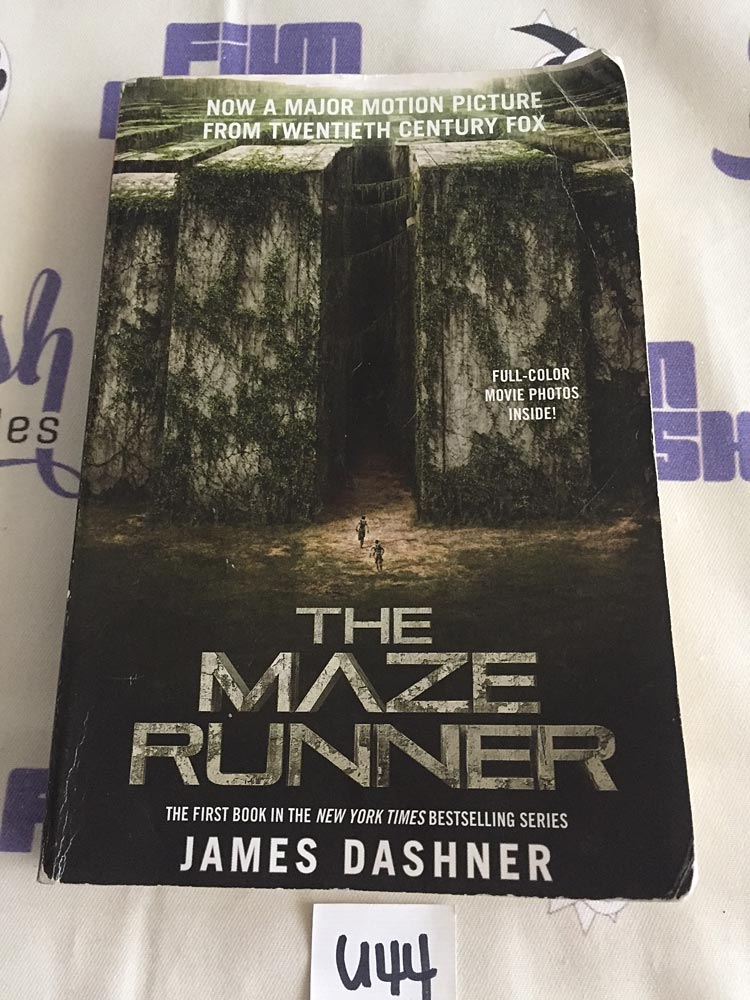 The Maze Runner Movie Tie-In Paperback Edition with Full-Color Movie Photos [U44]