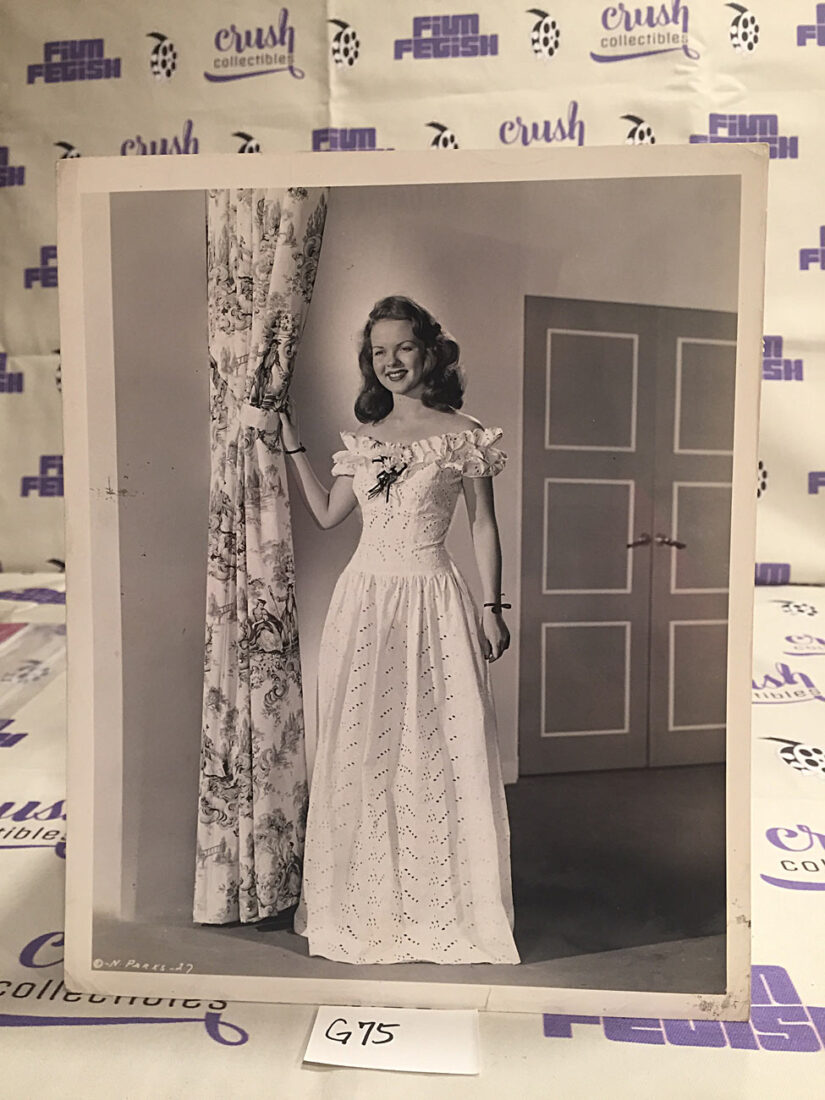 Nanette Parks in Over 21 Original 8×10 inch Press Photo Lobby Card [G75]