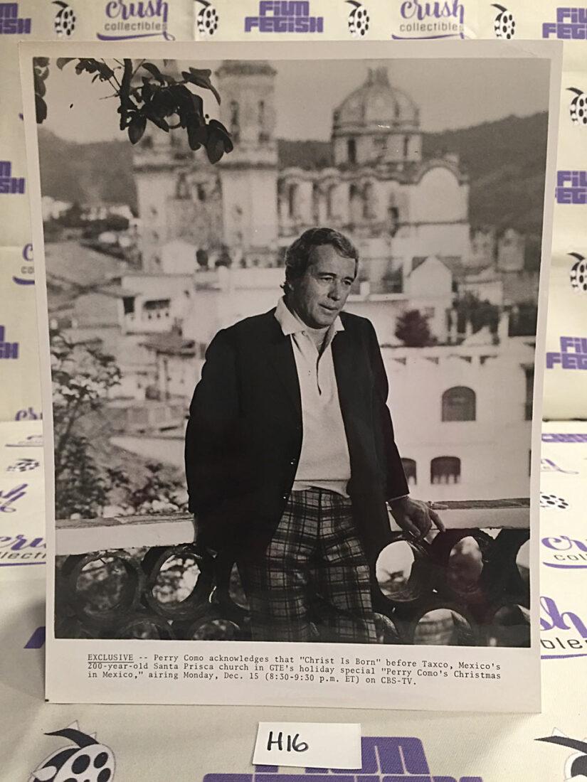 Perry Como's Christmas in Mexico TV Show Special Original 8×10 inch Press Photo [H16]
