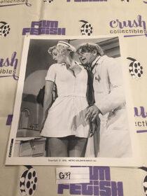 Walter Matthau and Lee Meredith in The Sunshine Boys Original 8×10 inch Press Publicity Photo [G39]