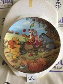 Walt Disney's Winnie the Pooh Harvest Time Limited Edition Collector Plate [U56]