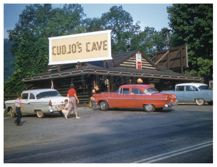 Cudjo's Cave (Gap Cave) Entrance and Souvenir Shop (1958) Photo [210904-2]