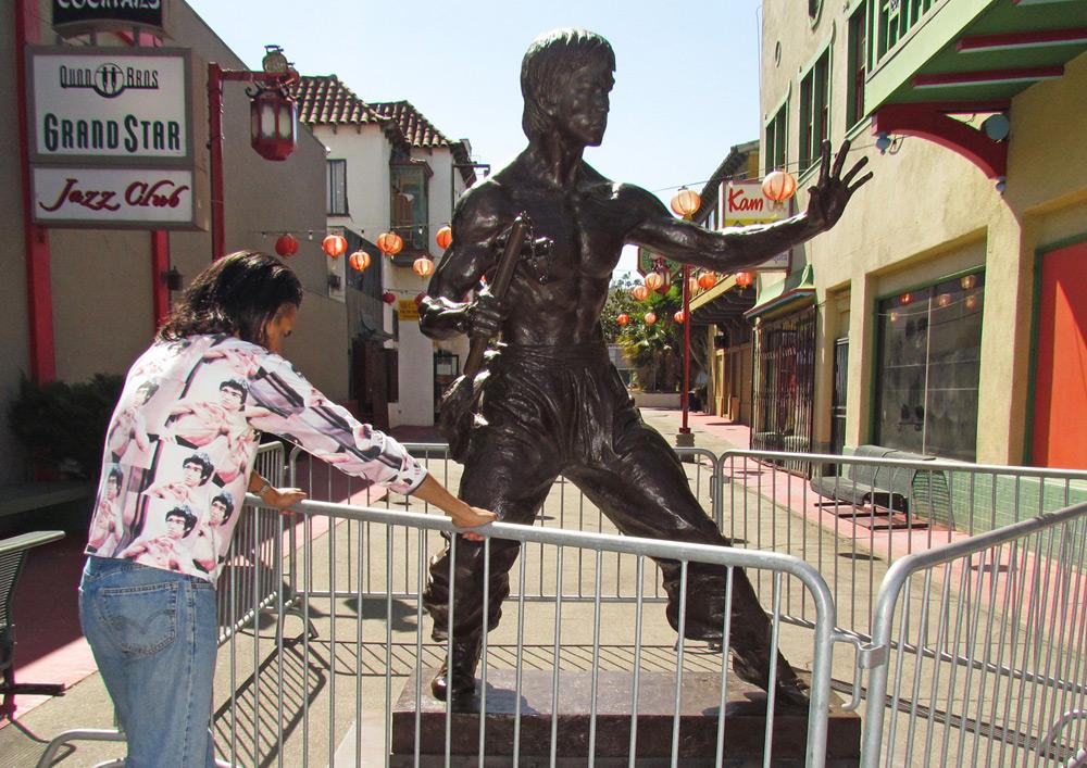 bruce-lee-statue-los-angeles-chinatown-aaron-kai-images-b