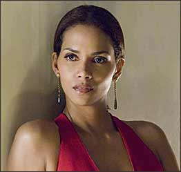 More Views of Halle Berry and Bruce Willis in Perfect Stranger